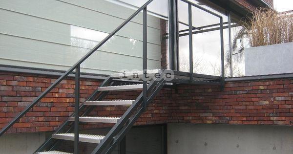 Escalier Exterieur palier avec marches perforé en acier inox avec RAL ...