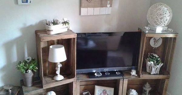 meuble tv avec des caisses en bois pomme caisse meuble t l id es pinterest. Black Bedroom Furniture Sets. Home Design Ideas