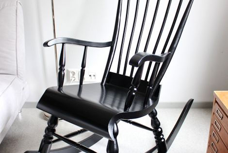 nursery wooden rocking chair makeover with paint- so gna do this ...