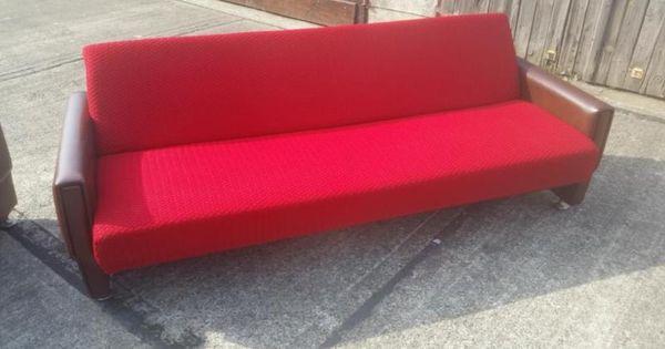 1 Oder 2 Identische Klappcouchen Mit Schlaffunktion Und Bettkasten Nur Eine In Rot Und Eine In Blau Aus Den 1970er 80er Jahren Vintage Bettkasten Kasten