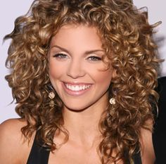 How To Get Big Curly Hair In 10 Minutes Curly Hair Styles