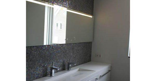 Badkamermeubel corian en glasmozaiek badkamer idee n pinterest badkamermeubel badkamer en - Badkamers bassin italiaanse design ...
