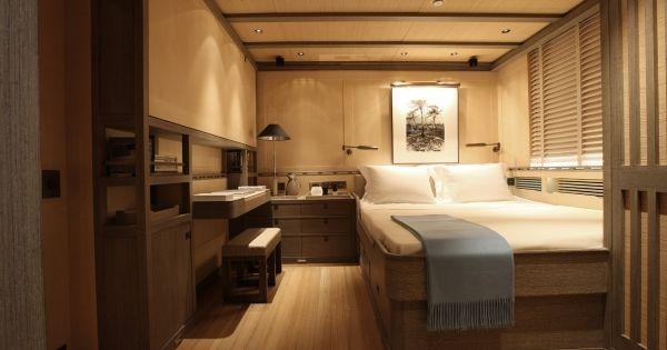 roxane superyacht hochbett holzverkleidung | boat interior design, Innenarchitektur ideen