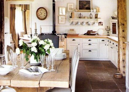 I love, love, LOVE this kitchen. I shall be shamelssly copying a