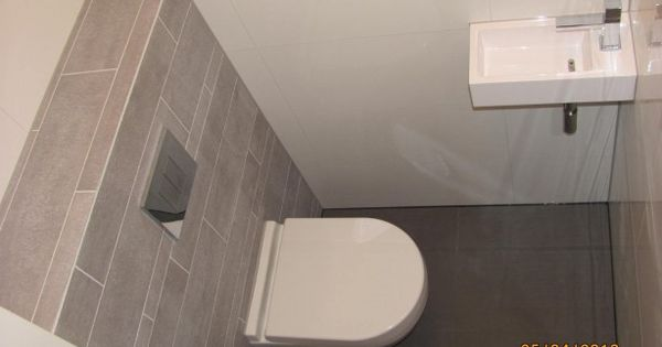 1000 Ideas About Bathroom Fixtures On Pinterest: Toilet Benedenverdieping, Licht Grijs