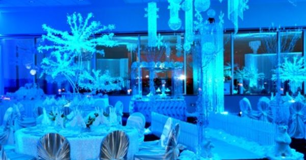 Snowflake balloon centerpiece san antonio wedding planner decorations floral designer
