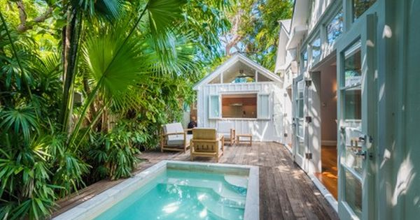 Celebrity Fashion Designer Andrew Christian S Sleek And Stylish Key West Vacation Home Is A Charming Contemporary Masterpiece 915 Corn West Home Florida Home