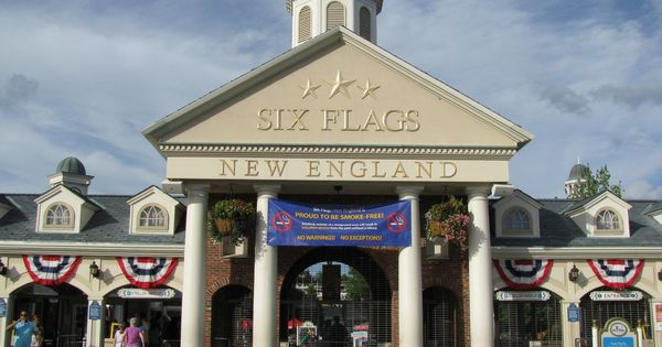 what days are six flags most busy
