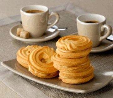 طريقة عمل البسكويت السادة بكل بساطة بالصور المقادير نصف كوب زبدة نصف كوب سكر نصف كوب لبن 2 بيضة معلقة نشادر معلقة Recipes Dessert Bites Food