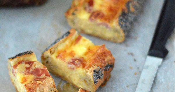 Une baguette garnie d 39 un m lange oeuf fromage une id e for Idee repas sympa