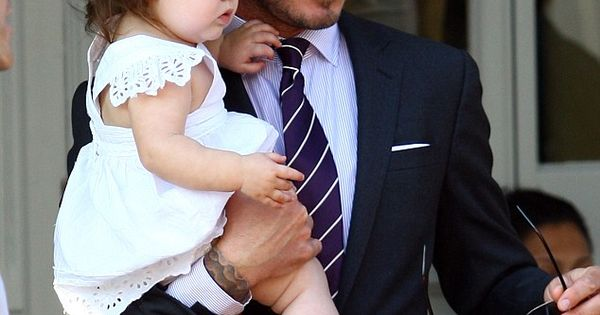 cutest Beckham, cant handle a hot dad with a baby girl. melt