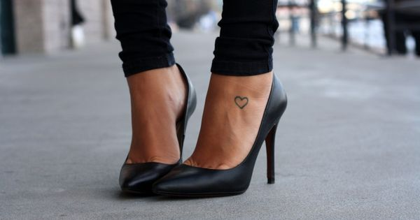 Print 50 of the Coolest Small Tattoo Placement Ideas :: Company UK
