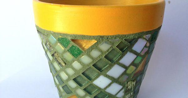 Glittering Mosaic Flower Pot Green Yellow Mosaic Flower Pot Handpainted Pot Mothers Day Gift Macetas Decoradas Macetas Mosaiquismo Proyectos De Mosaico