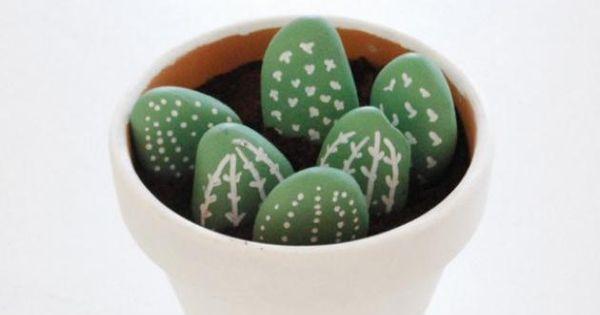 un pot de cactus diy pour les toutes petites mains. Black Bedroom Furniture Sets. Home Design Ideas