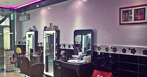 Coiffeur Homme Oran Https Www Facebook Com Othmanebarbershop Vanity Mirror Home Decor Decor