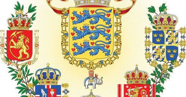 Middle Coat Of Arms Of The Scandinavian Empire By Regicollis Deviantart Com On Deviantart Coat Of Arms Arms Heraldry