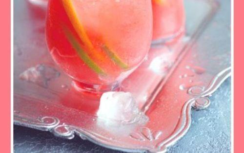 Pink Fizzy -- 1 bottle White Zinfandel* 2 cans of frozen pink