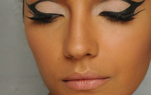 Dramatic Eye Liner- Halloween