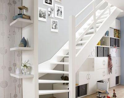 Rangement sous l 39 escalier maison pinterest escaliers - Rangement sous escalier tournant ...