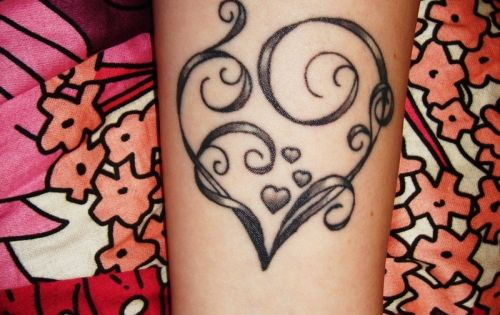 Heart Tattoo. not for me, but beautiful