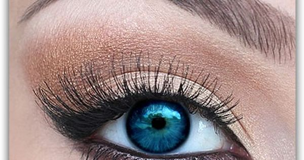 eye makeup, eyeliner, eye shadow, neutral, lashes, blue eyes