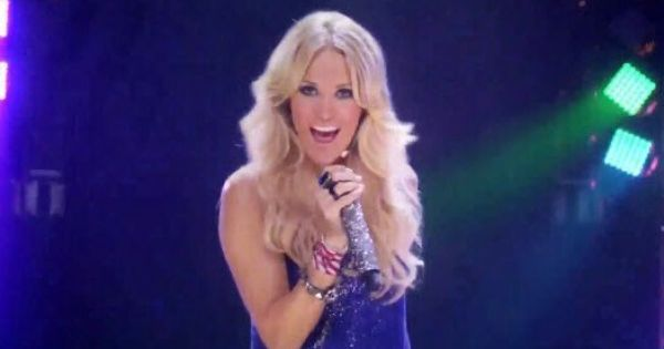 Carrie Sings The Theme Song Of Snf Sunday Night Football Sunday Night Football Carrie Underwood Carry On