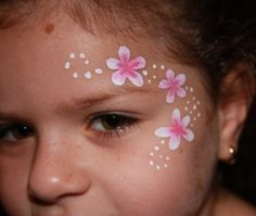 Simple Flower Face Painting Great For Little Kids Who Can T Sit Still Long Face Painting Flowers Face Painting Designs Girl Face Painting