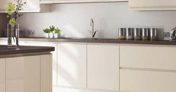 Magnolie als Küchenfarbe Ideen und Bilder für die Küchenplanung - ideen für küchenwände