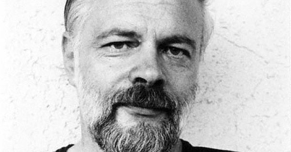 ubik essay Topic: ubik by phillip k dick paper details: philip k dick and other authors featured in this unit express views on consumerism and its impact on society examine.