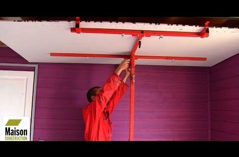 Pose Placo Faire Un Faux Plafond Avec Placo Baticotravaux Youtube Plafond Plafond En Placo Isolation Plafond
