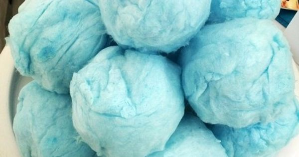 Cotton candy snowballs...the perfect addition to your Frozen birthday party