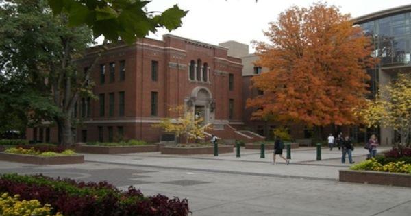 University Of Oregon Best College Us News College Fun University Of Oregon Oregon