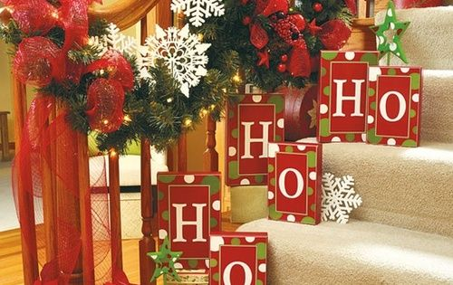 Country Sampler Christmas Decorating Ideas : A whole bunch of christmas staircase decorating ideas