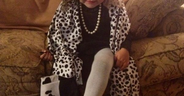 Cruella Da Vil - Halloween Costume Contest via @Costume Works
