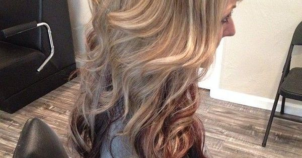 long blonde hair with low lights | Caramel blonde wavy balayage hair