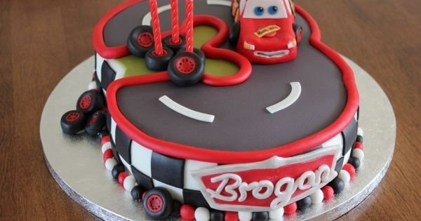 cars birthday cake | Number three track with Lightning Mcqueen racing aroumd