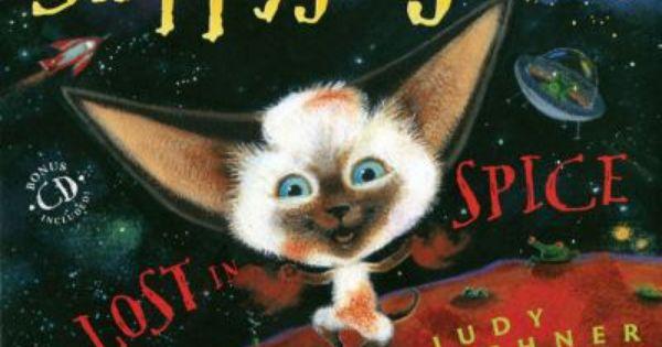 Skippyjon Jones The Siamese Cat That Thinks He Is A Chihuahua Dog