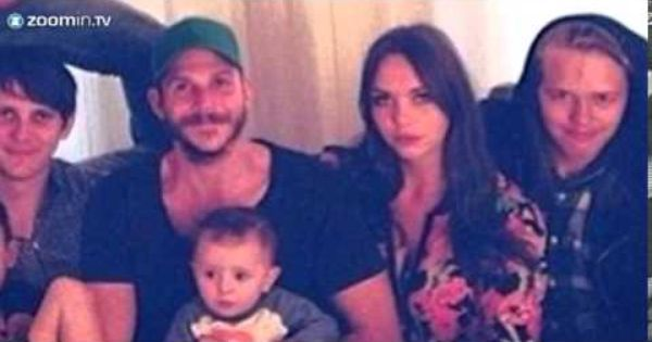 Shirtless Alexander Skarsgard family photo goes viral | For later ...