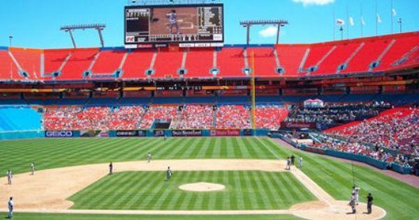 Florida Marlins Pro Player Stadium In Miami Gardens Fl Game 8 17 02 Vs Giants With Aindriu Sun Life Stadium Baseball Stadium Baseball Park