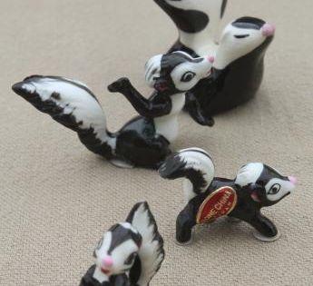 Vintage miniature ceramic skunk