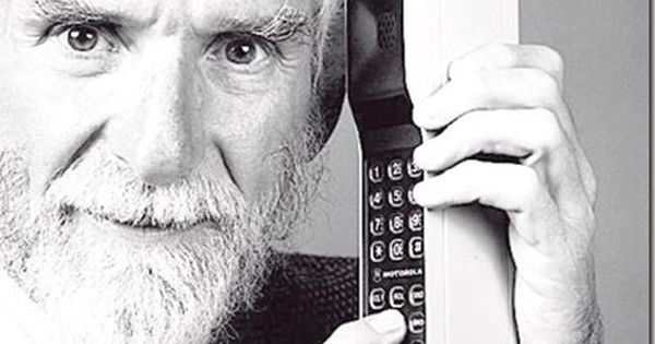 The First Cell Phone April 1973 Mobile Phone Martin Cooper Mobile Marketing