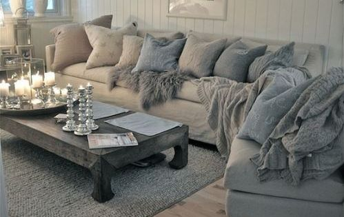 Very cozy looking oversized couch with big puffy pillows would look so