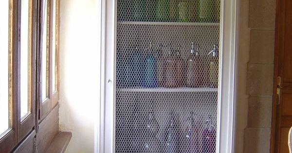 armoire glace remplacee par grillage a poule pour mettre. Black Bedroom Furniture Sets. Home Design Ideas