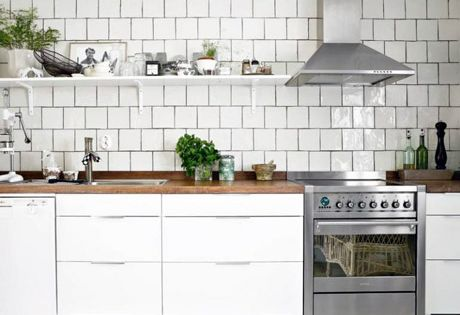 White tiled kitchen with dark grout #white #kitchen | HOME