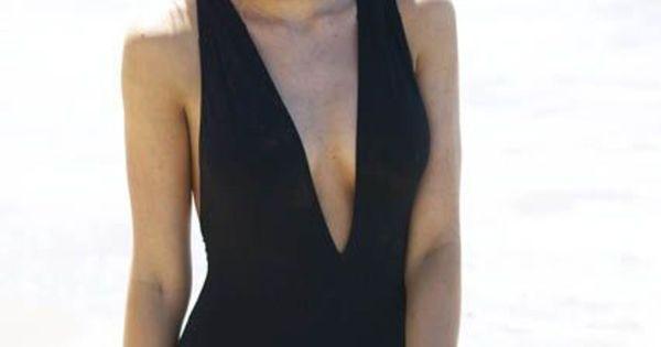 blake-lively-swimsuit-photoshoot-mq-05.jpg (980×1472 ...