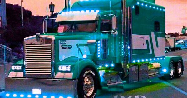 Big Rig Coming For You : Now that is what you call a gorgeous kenworth custom big