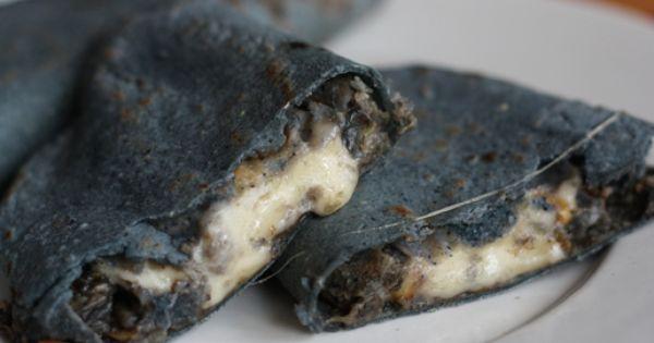 Quesadilla En Tortilla De Maíz Azul Gastronomia Mexicana Comida Mexicana Gastronomia De Mexico