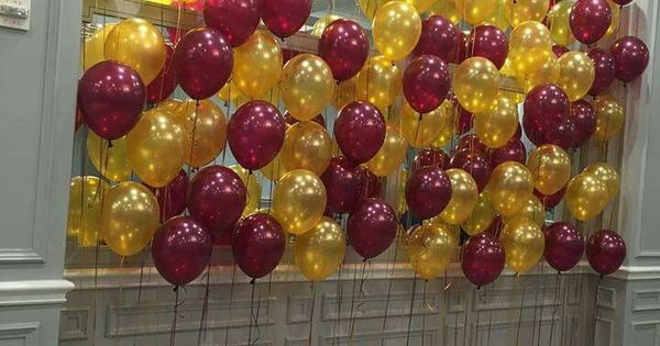 Nice Balloon Backdrop In Burgundy And Gold Balloon