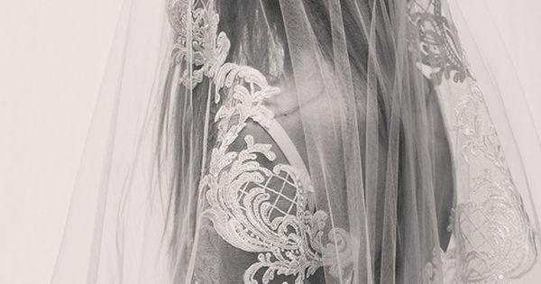 ... Elie Saab lance une collection de robes de mariée  Wedding, Robes