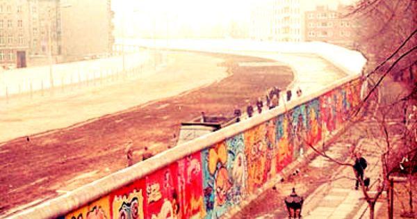 Berliner Mauer Berlin Germany C Noir De Wikipedia Berlinermauer Berliner Mauer Orte Zum Besuchen
